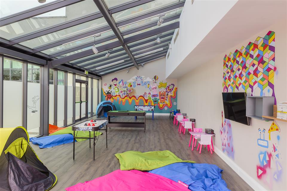 Kids Club (Available School Holidays)