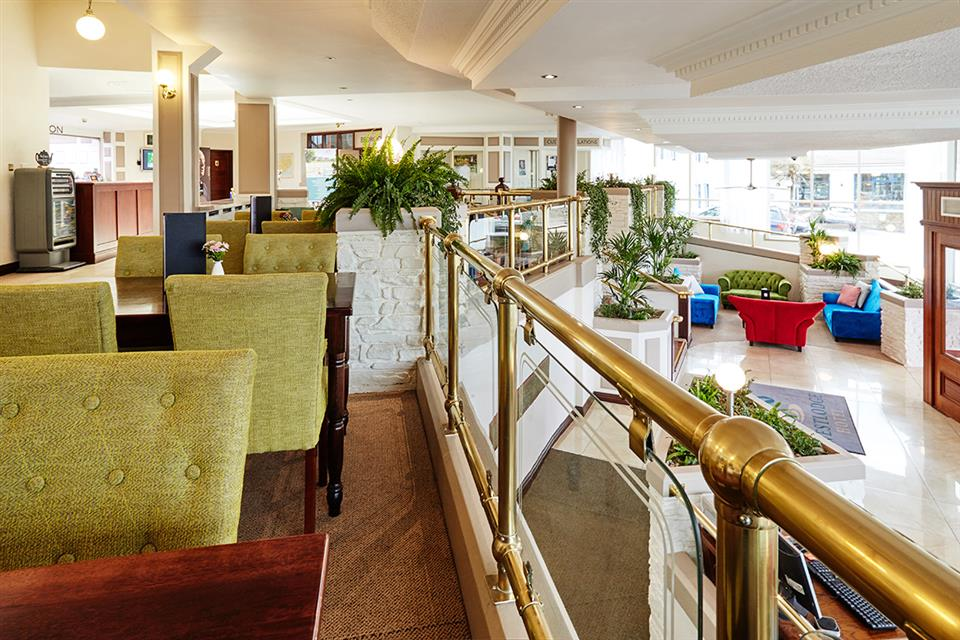 Westlodge Hotel Lobby