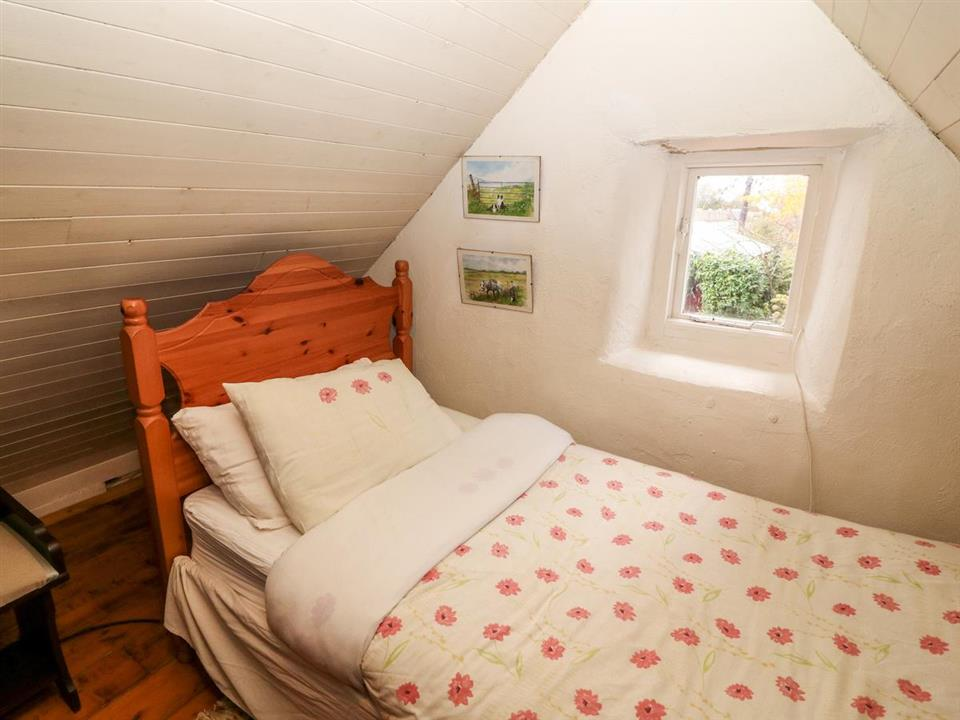 cottage mary rose bedroom