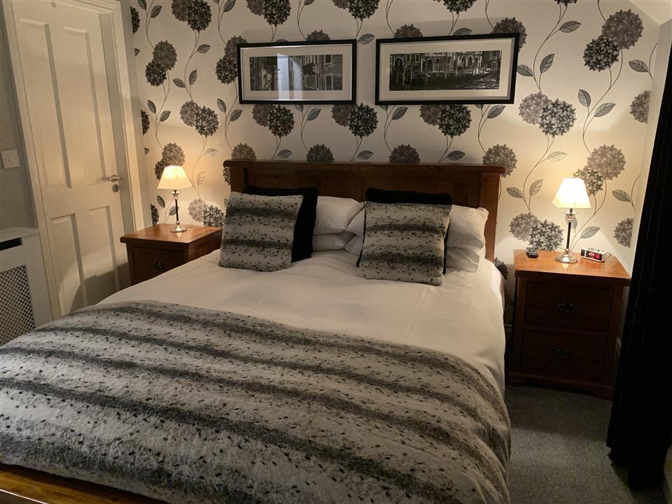 Nonos Cottage bedroom