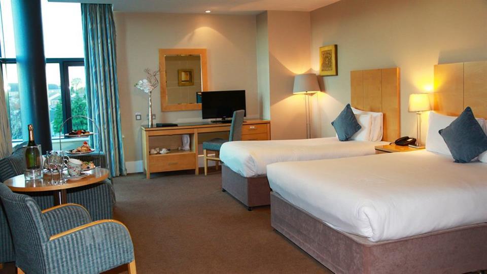 Green Isle Hotel Family Room
