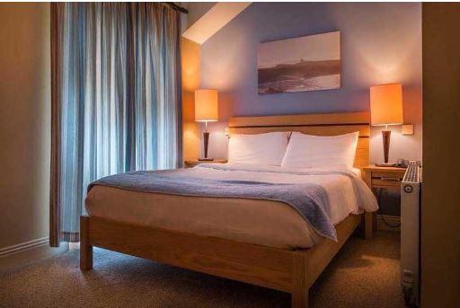 Pier Head Hotel bedroom
