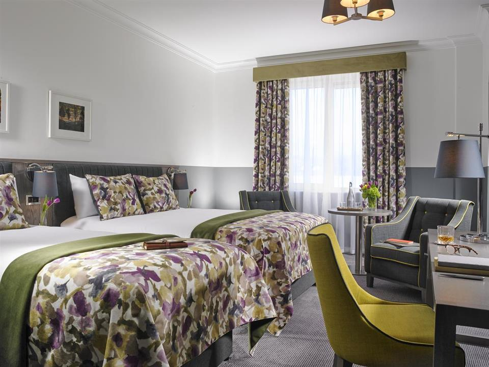Carrigaline Court Hotel Bedroom