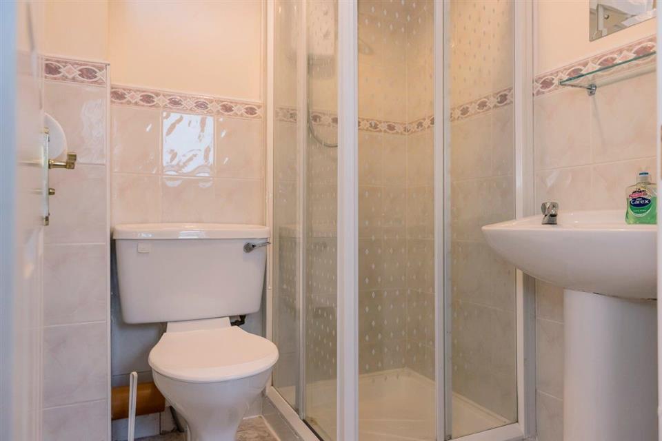 Marine View Holiday Homes Bathroom