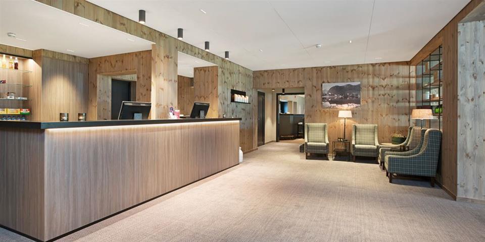 Thon Hotel Jølster Reception