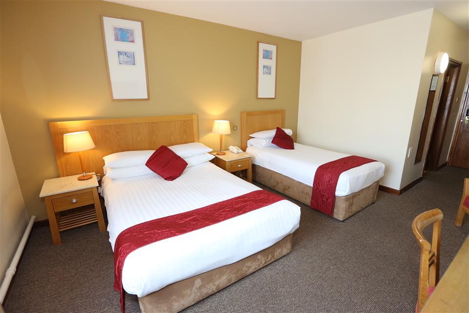 Auburn Lodge Hotel Twin Bedroom