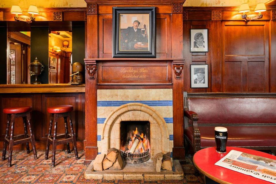 Arbutus Hotel bar