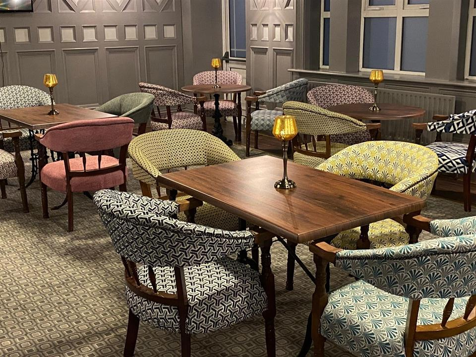 newgrange hotel bar