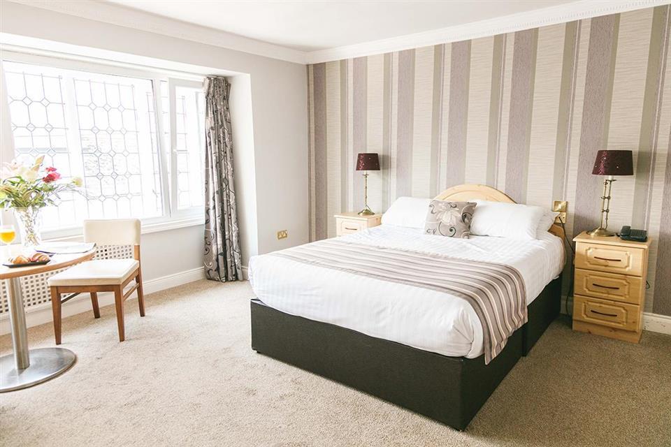 Hibernian Hotel Mallow Bedroom