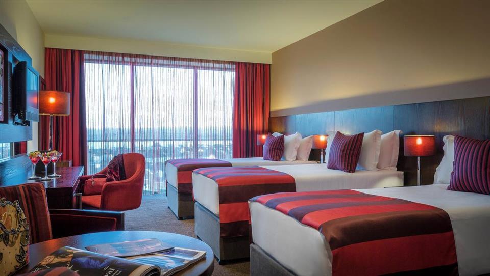 Loughrea Hotel family bedroom