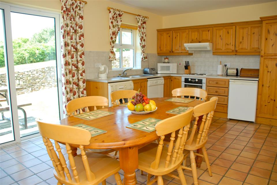Dingle Marina Cottages Kitchen