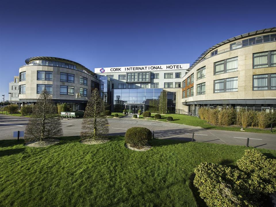 Cork International Hotel Exterior
