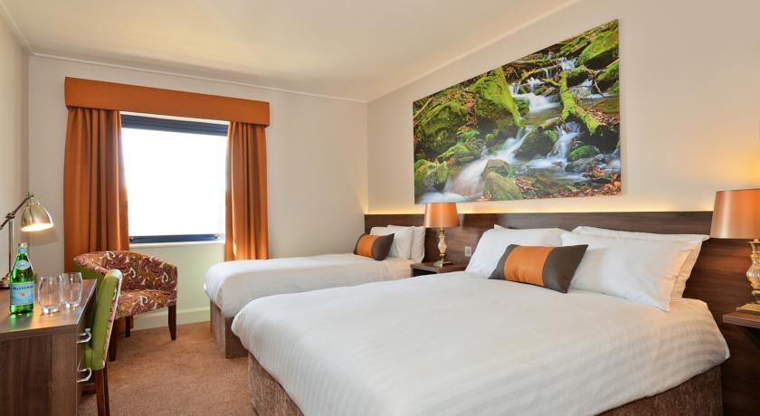 Nox Hotel_bedroom1