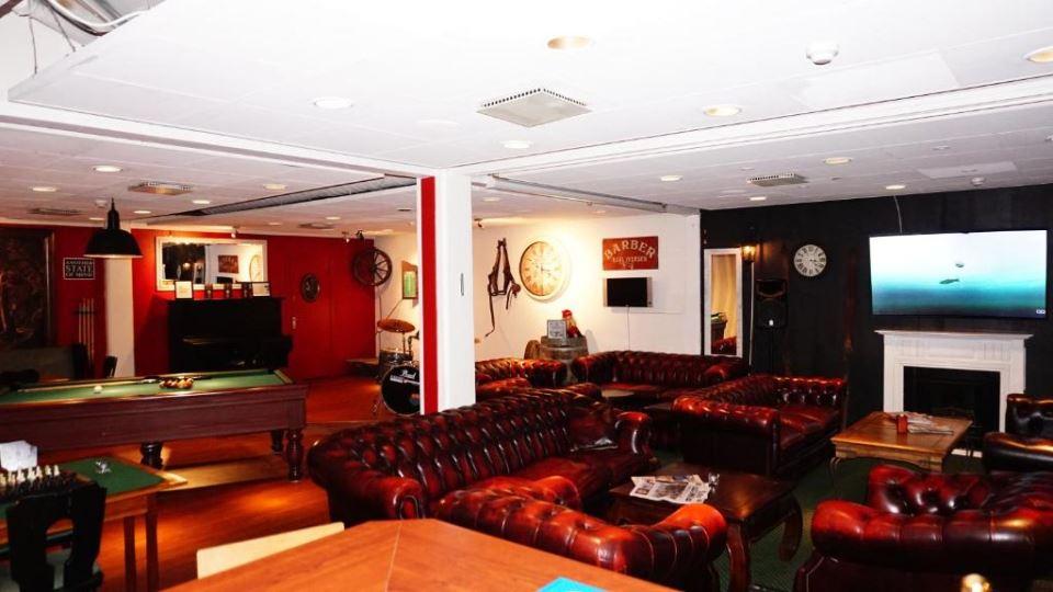 Lounge biljard