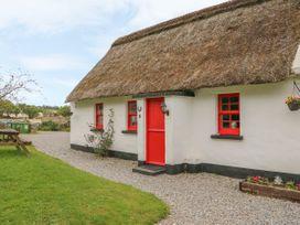 Lough Derg Thatched Cottages Cottage 10