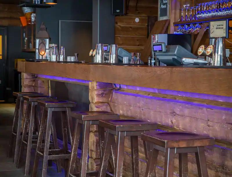 Radisson Blu Mountain Resort & Residences Bar