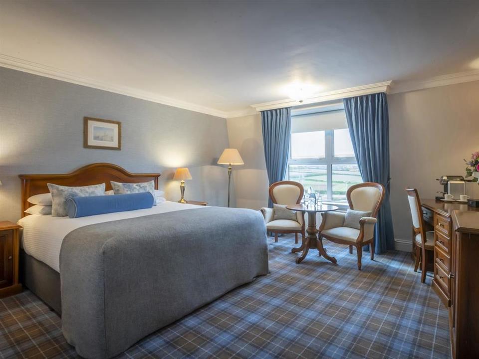 Dingle Skellig Hotel bedroom