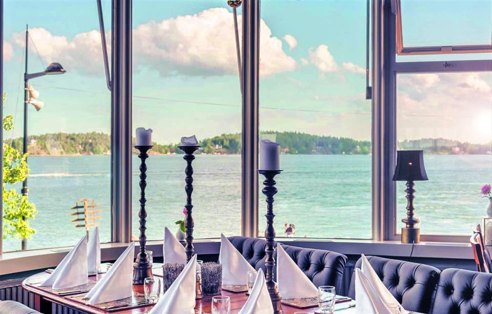 Waxholms Hotell - Vaxholm MIDDAG MED UTSIKT