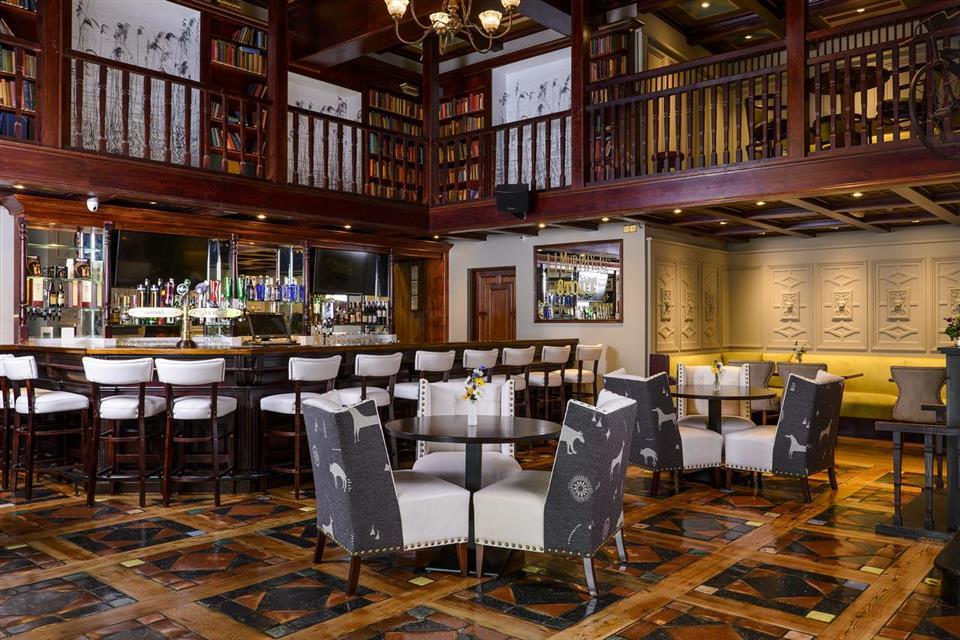 Meadowlands Hotel bistro