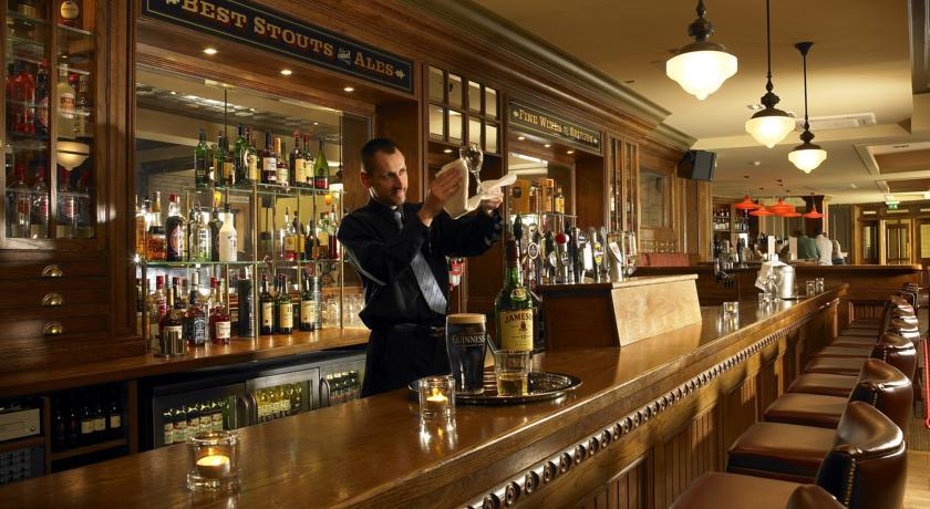 scotts hotel Bar