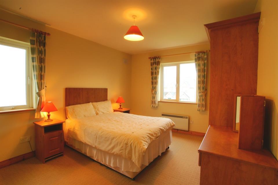Doonbeg Holiday Homes Bedroom