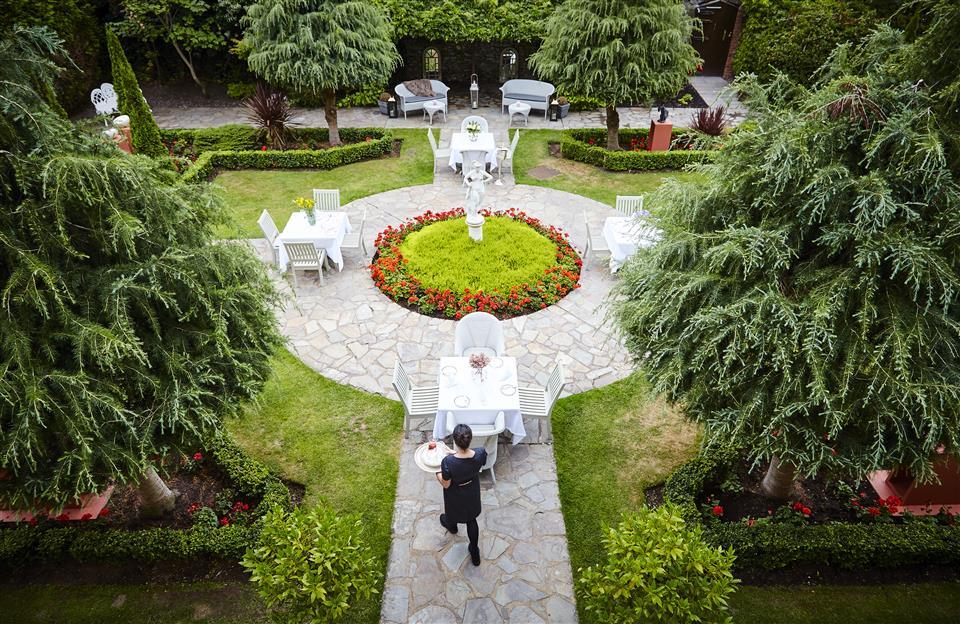 Hayfield Manor Gardens