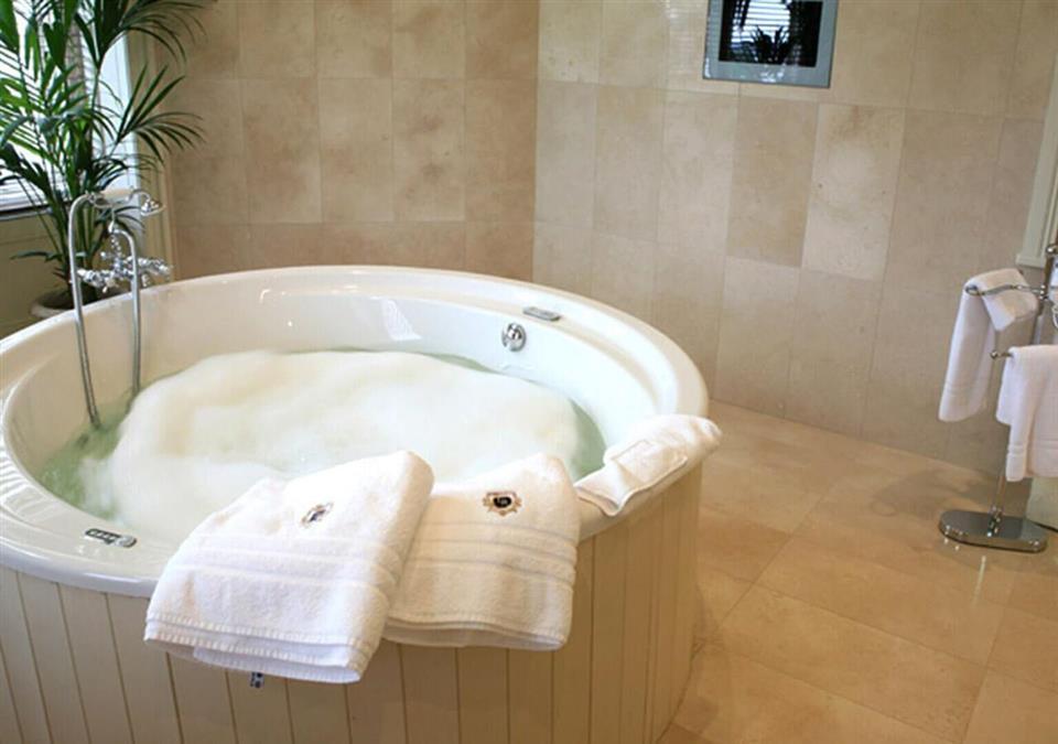 Lough Rynn Castle Hot Tub