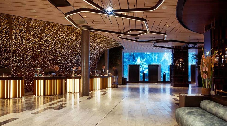 Clarion Hotel The Hub Lobby