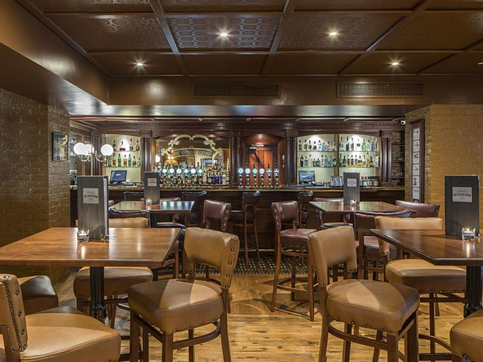 The Johnstown House Hotel Bar