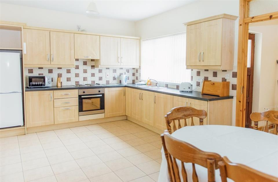Stracomer View Holiday Homes Kitchen