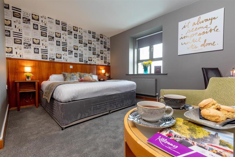 Kilkenny Inn Bedroom