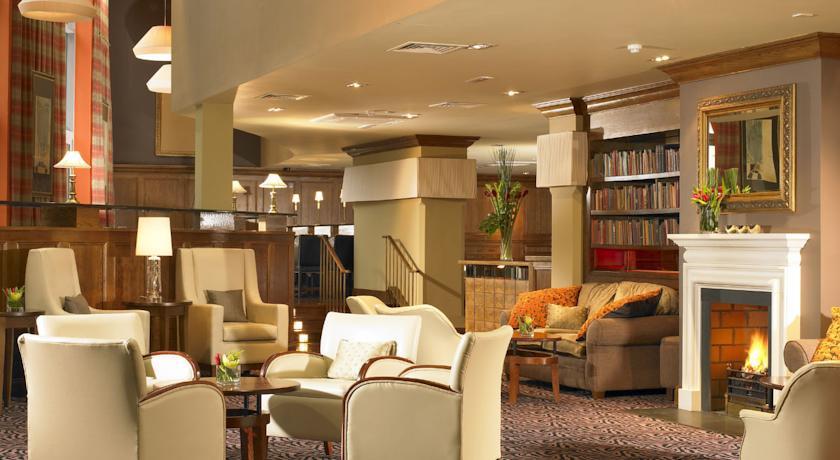 Scotts Hotel lounge