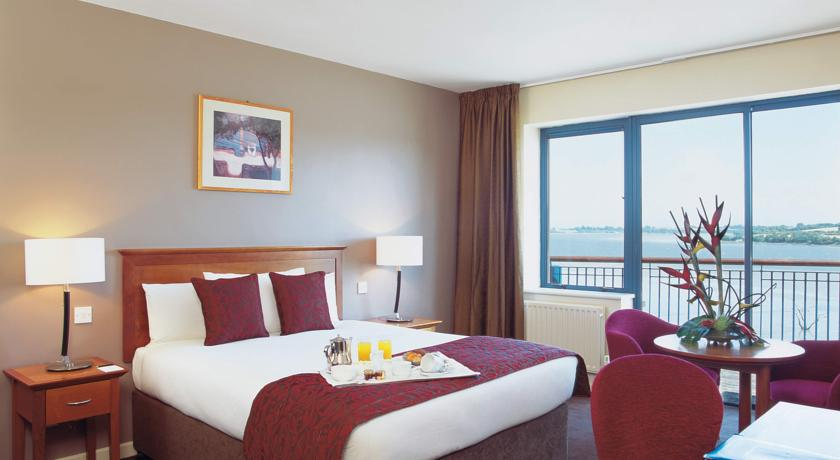 Ferrycarrig Hotel bedroom