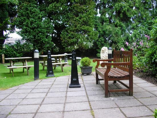 Rochestown Park Hotel Courtyard