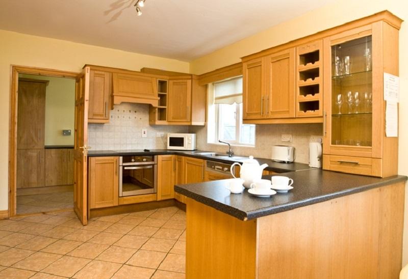 Doonbeg Holiday Homes kitchen