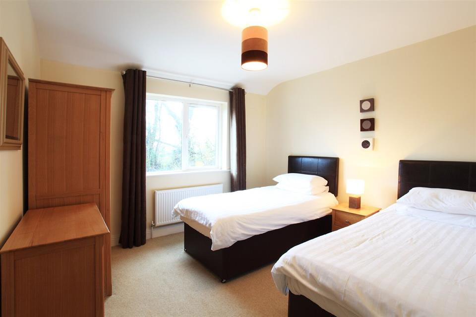 Ardmullen Oak Holiday Homes bedroom