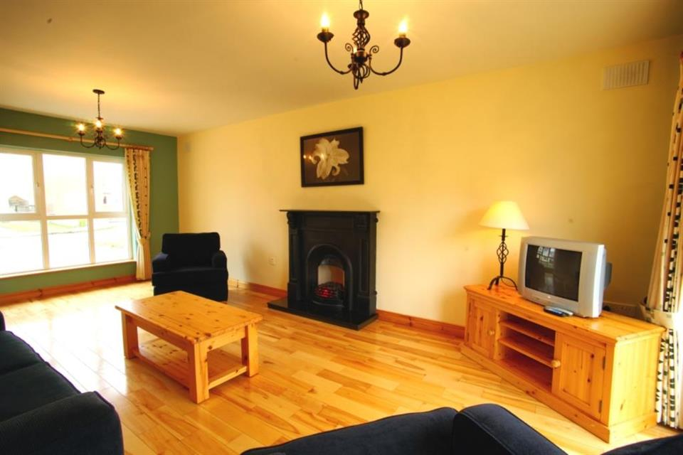 Doonbeg Holiday Homes sitting room