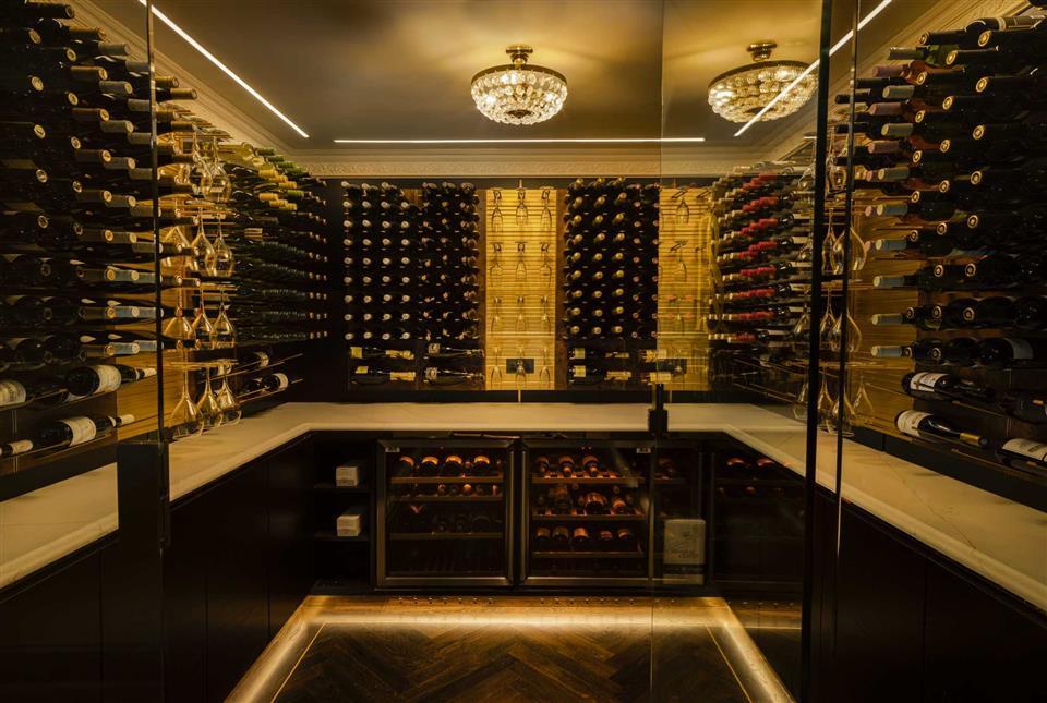 Wine Cellar Restaurant Six