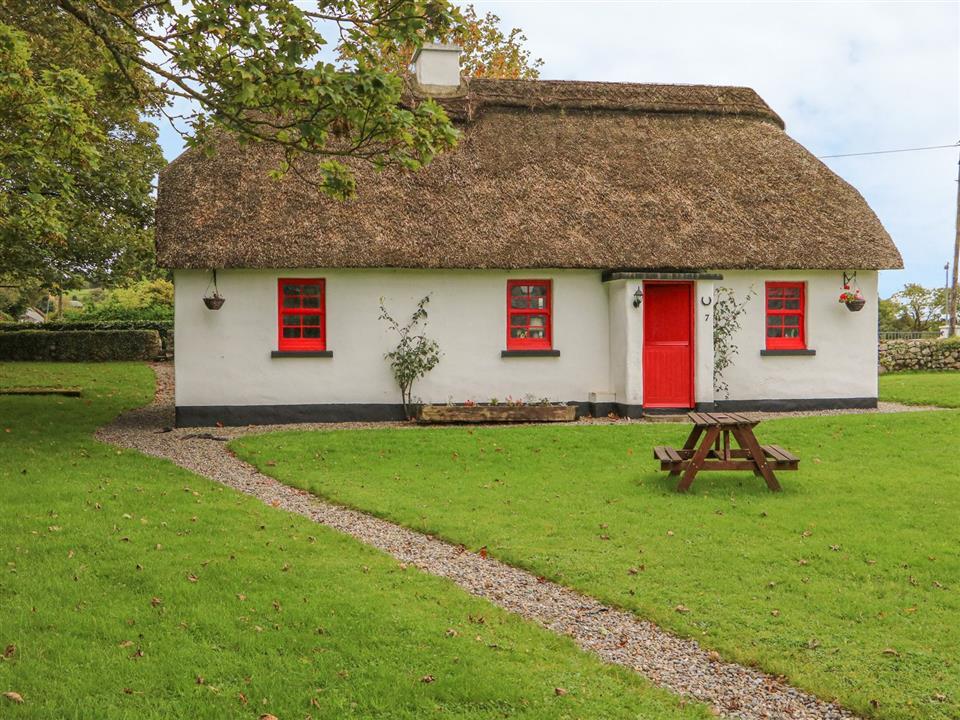 Lough Derg Thatched Cottages Cottage 7 Front