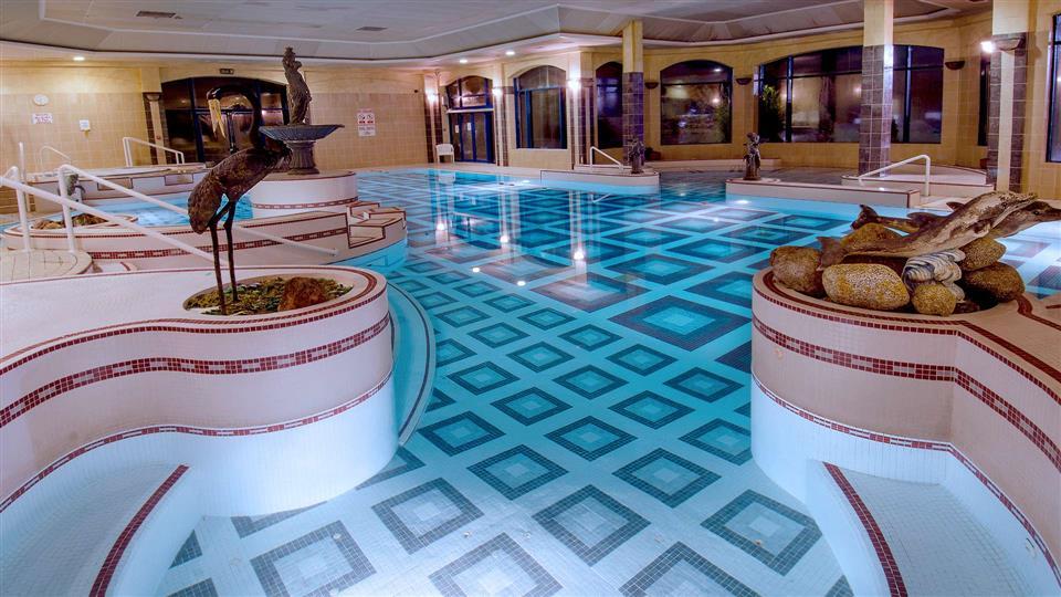 Glenview Hotel pool