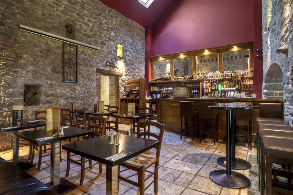 Coach House Hotel Bar