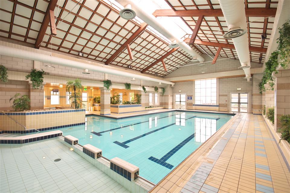 Connemara Cost Hotel swimming pool