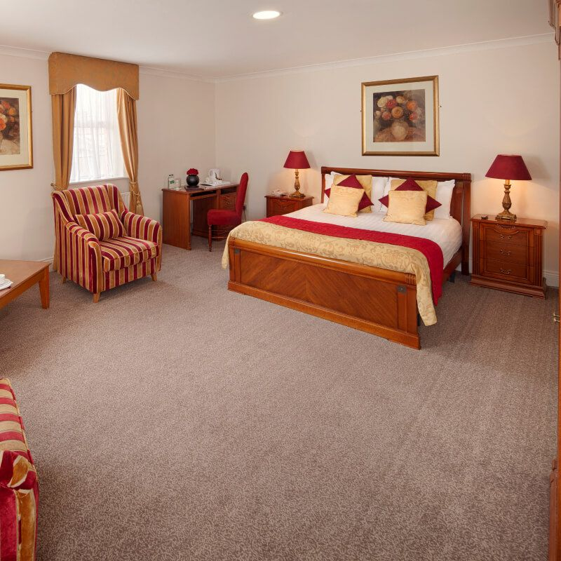 Royal Hotel and Merrill Leisure Club Double bedroom