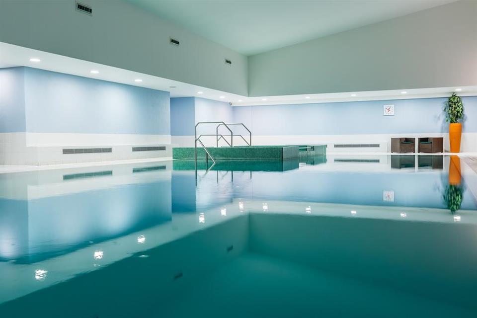 The Killeshin Hotel Swimming Pool