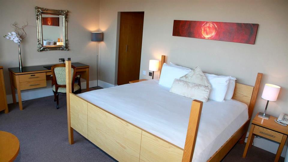 Green Isle Hotel Bedroom