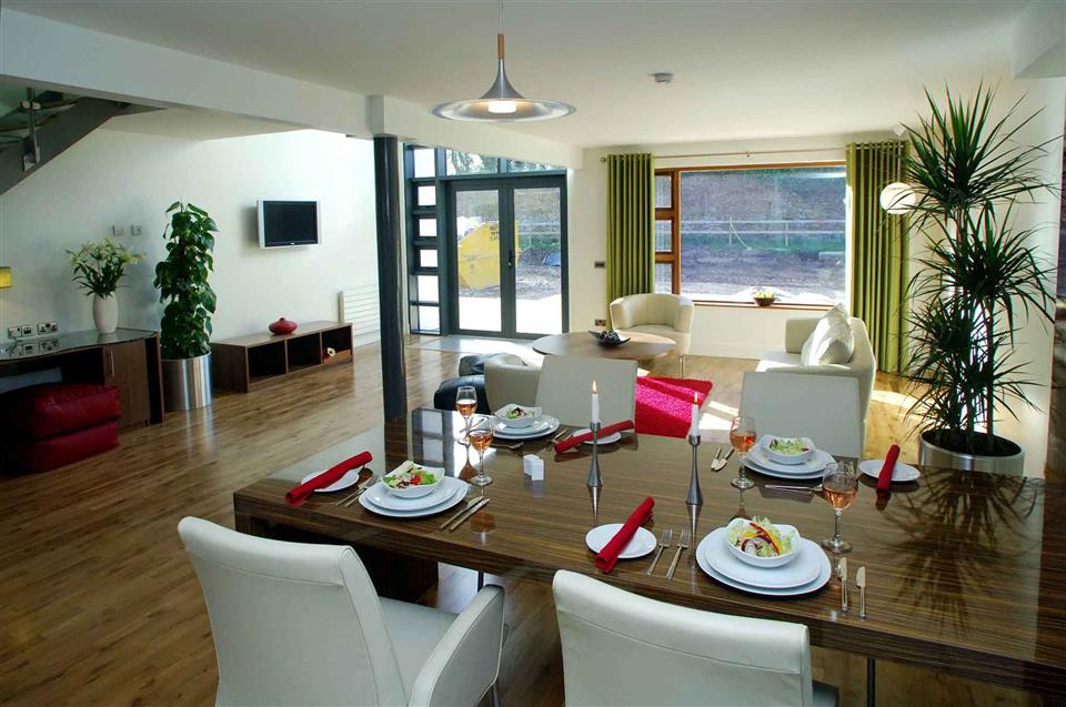 Walled Garden Lodges dining area