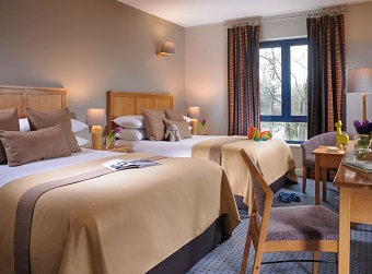 Parkavon Hotel Triple Room