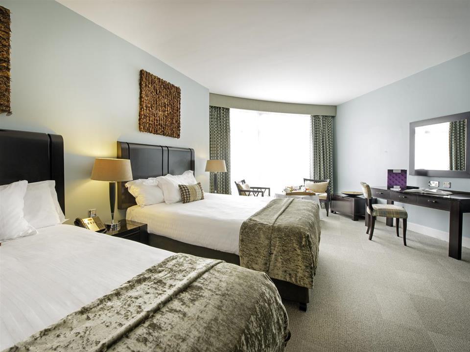Cork International Hotel Bedroom