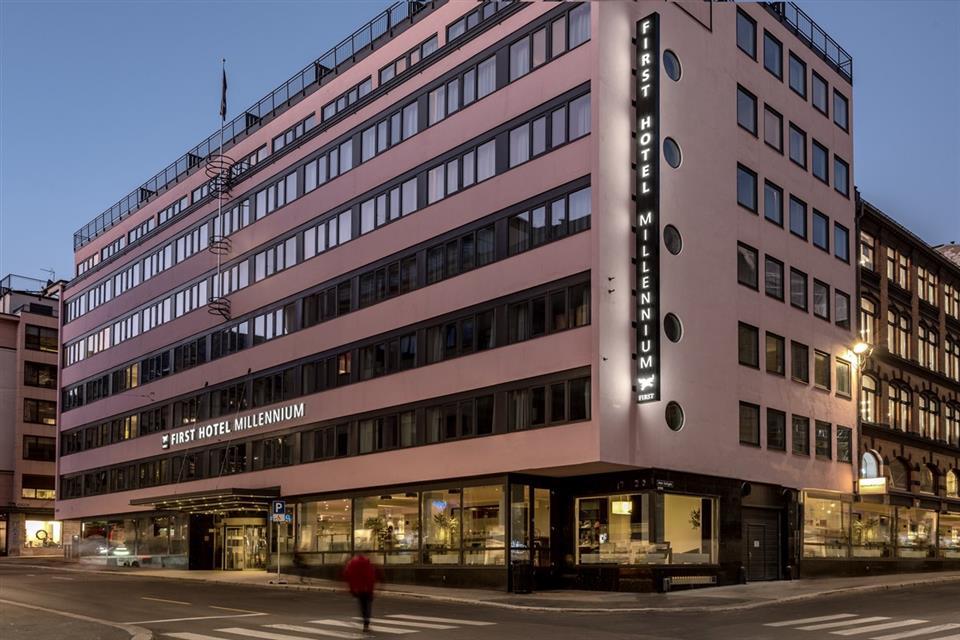 First Hotel Millennium Fasad