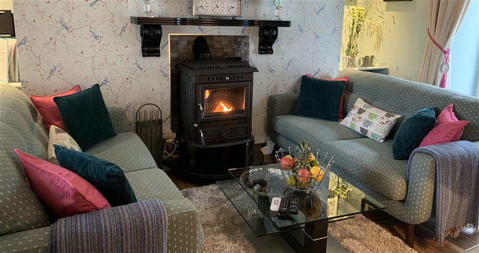 Nonos Cottage fireside